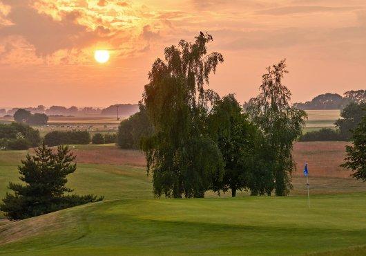 Tolle Aussicht im perfekten wellness und golf hotel in deutschland