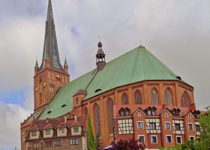 Bazylika archikatedralna św. Jakuba i Kościół św. Jana Ewangelisty