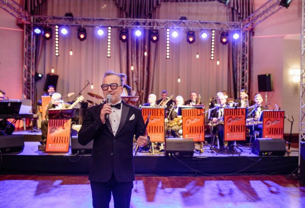 Dariusz Niebudek - announcer, actor, artist
