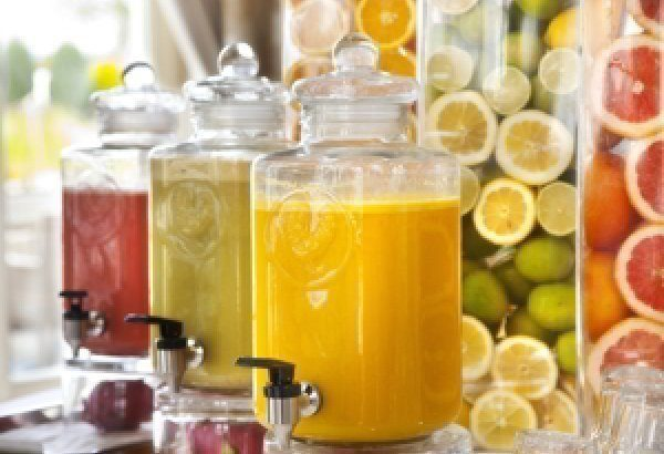 Freshly squeezed vegetable and fruit juices