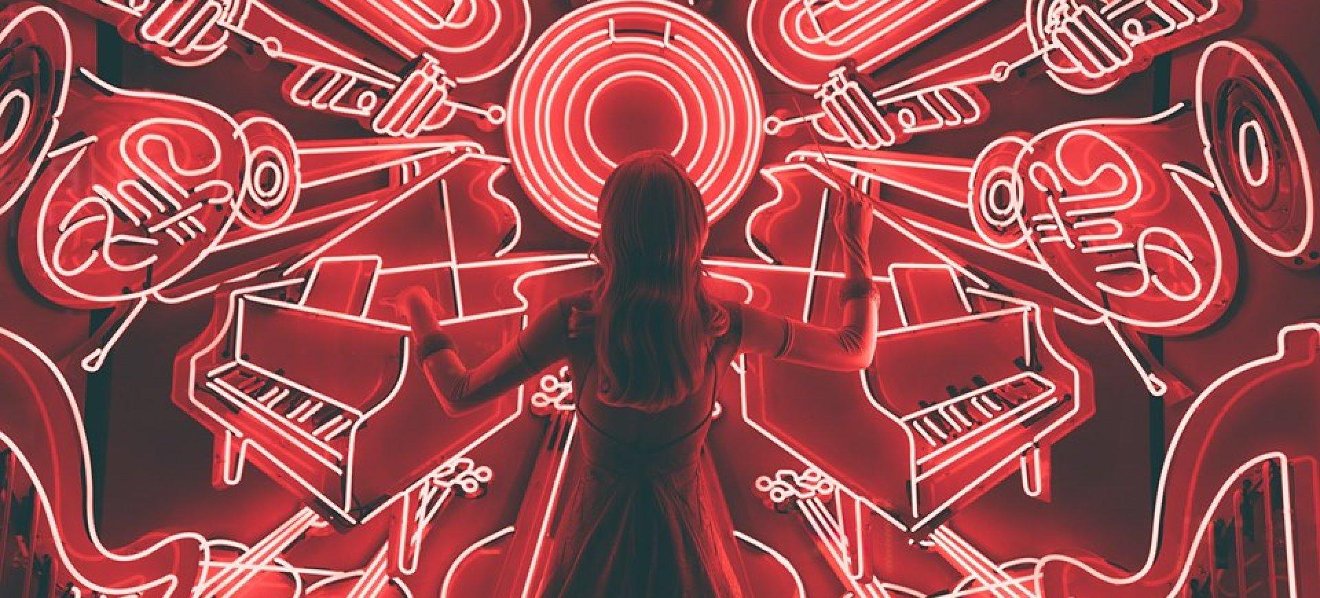 Noc Saunowa - podróż przez dekady muzyczne