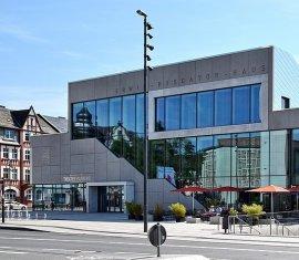 Erwin-Piscator-Haus / Tourist-Information