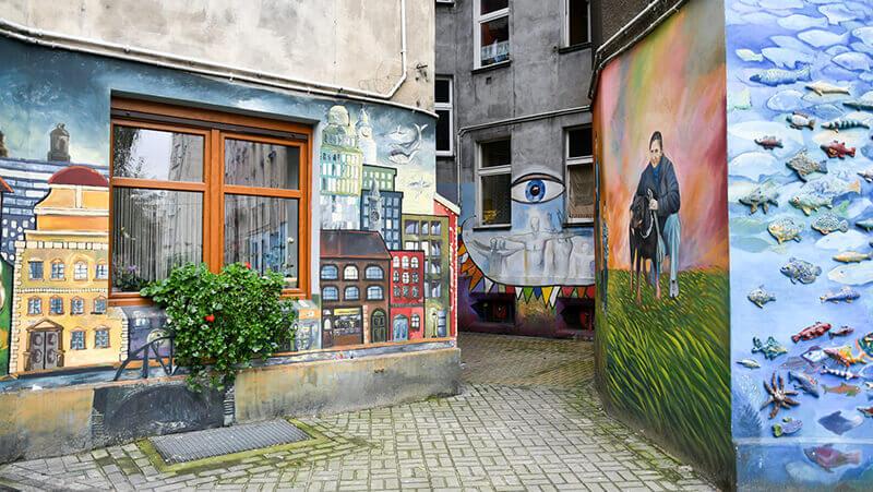 Podwórko Roosevelta - murale we Wrocławiu