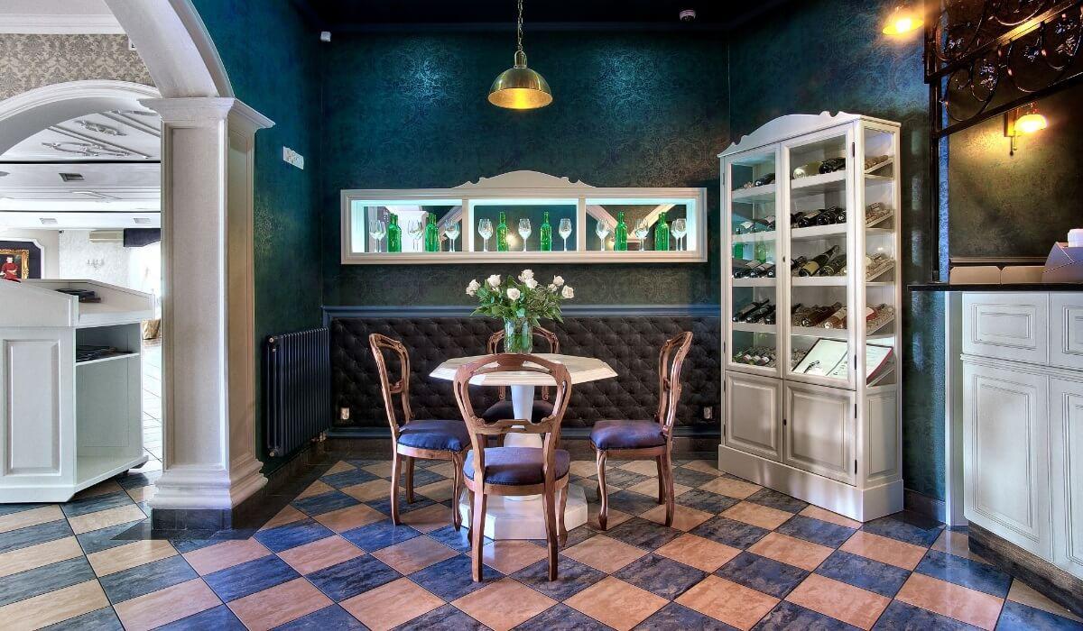 Bar w restauracji hotelowej - Dwór Czarneckiego