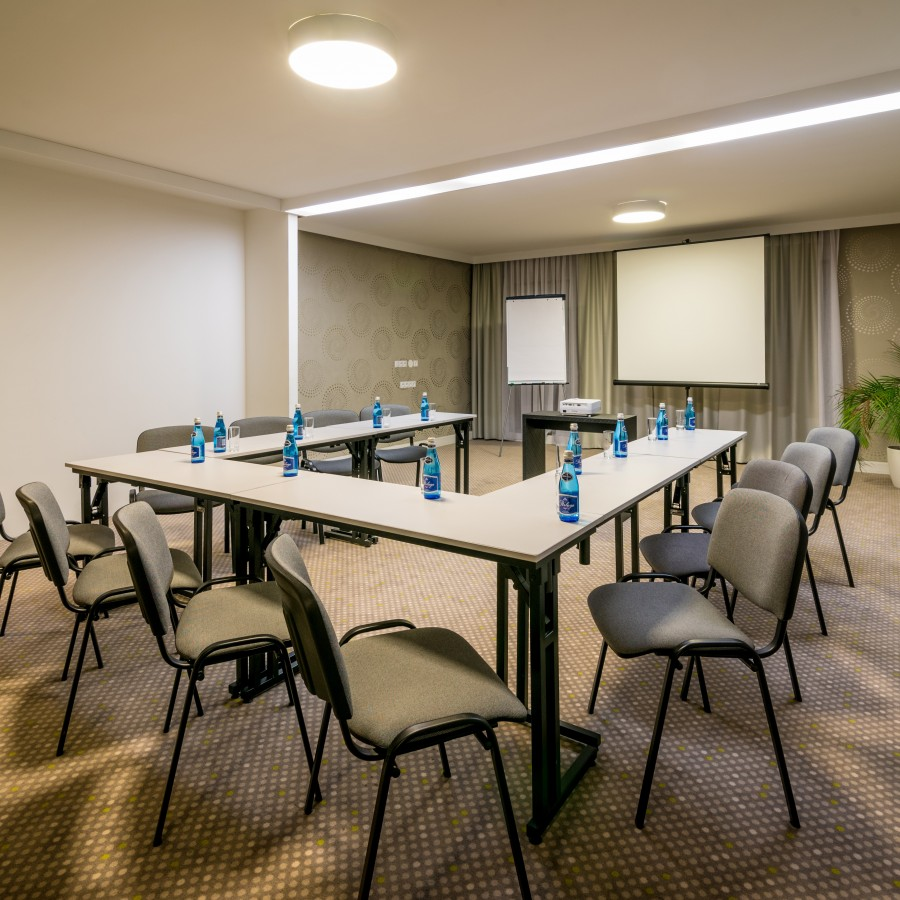 Overnight conference package