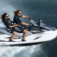 2014-Yamaha-VX-Sport-EU-White-with-Carbon-Action-001.jpg