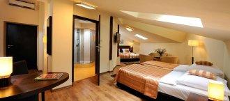 pokoj4-osobowy_hotel_spatz_krakow.jpg