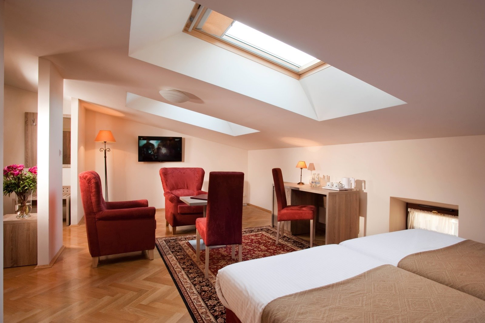 Santi Hotel****