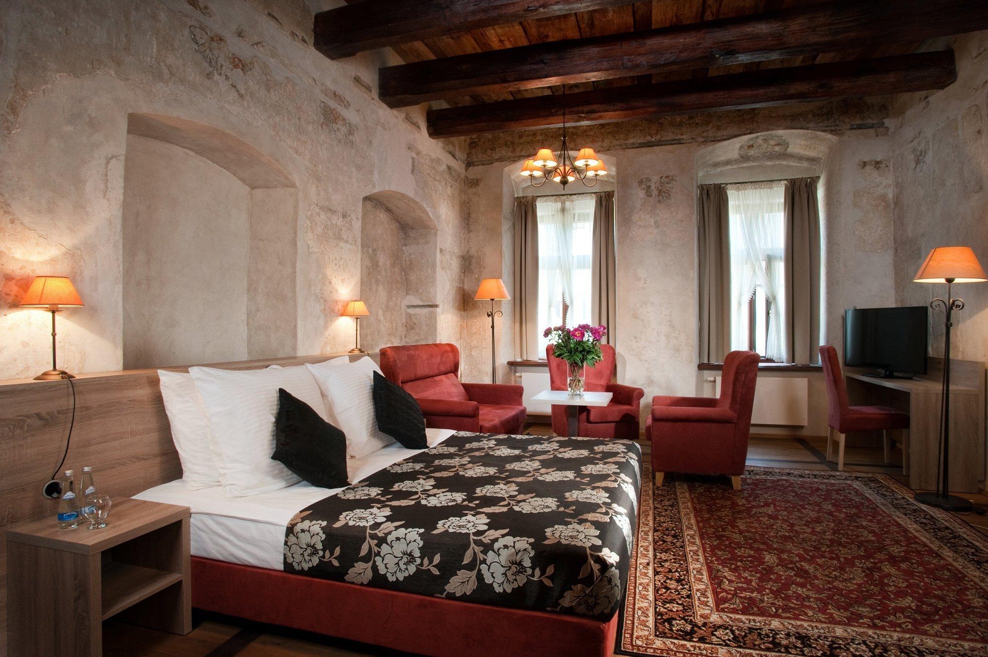 Santi Hotel