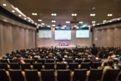 jak zorganizować konferencję