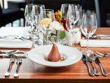 Zaplecze gastronomiczne Warsaw Plaza Hotel – daj się uwieść wyśmienitymi smakami w Restauracji Moments!
