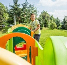 Pokój zabaw i plac zabaw dla dzieci