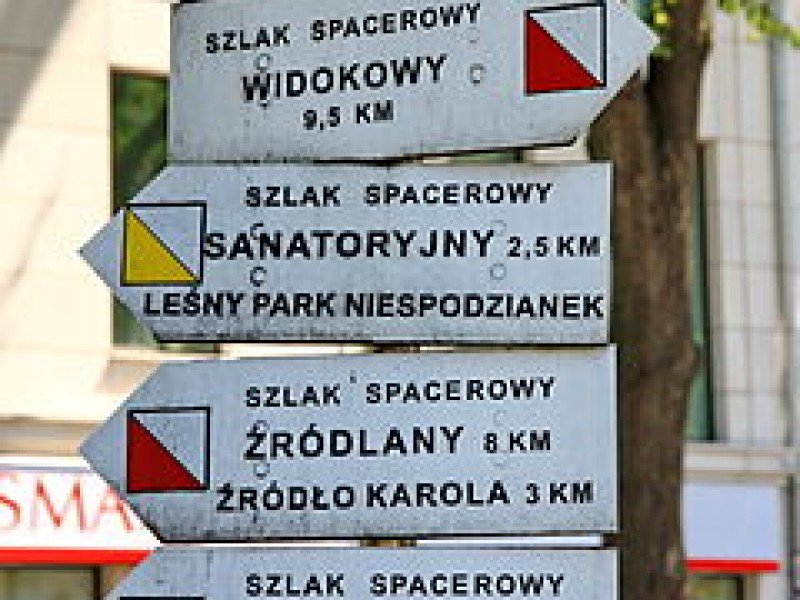 https://www.wilga-hotel.pl/thumb/800x600/uploads/Tabliczki_szlakw_spacerowych_w_Ustroniu.JPG