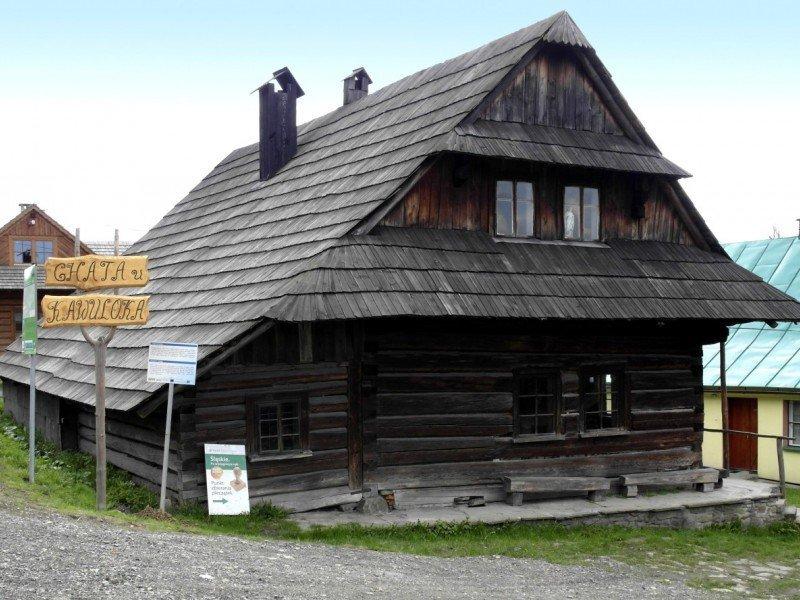 https://www.wilga-hotel.pl/thumb/800x600/uploads/atrakcje/chataKawuloka.jpg